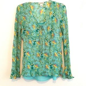 Pretty Silk blouse with long sleeves size medium